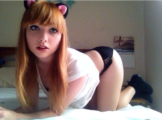horny redhead amateur teen on webcam